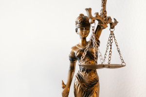 blind-lady-justice-statue-in-law-office-picjumbo-com
